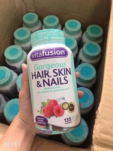 Kẹo dẻo Hair Skin & Nails Vitafusion Gorgeous của Mỹ 1