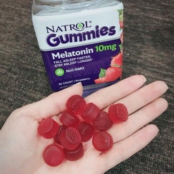 Kẹo dẻo Natrol Gummies 10mg hỗ trợ giấc ngủ