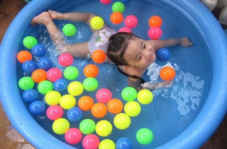 Cách chọn bể bơi phao bơi cho bé