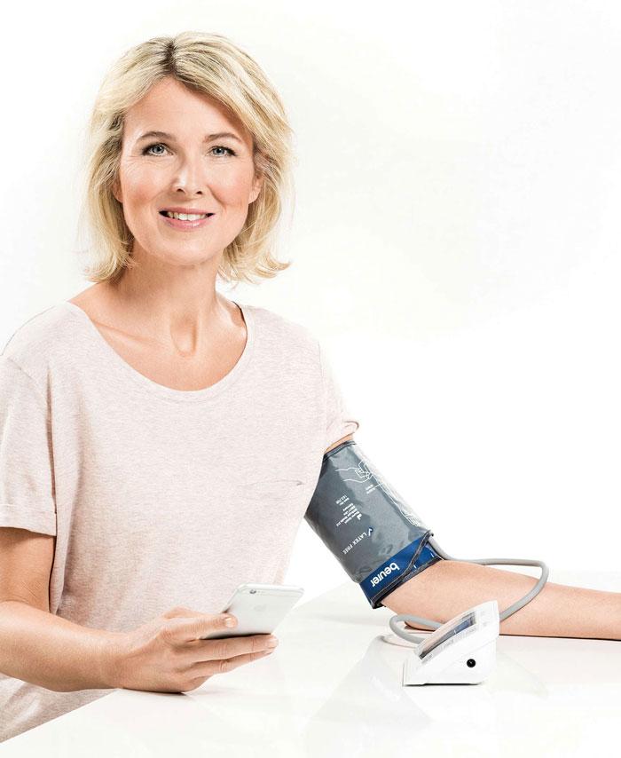 Máy đo huyết áp bắp tay Beurer BM57 dễ dàng sử dụng