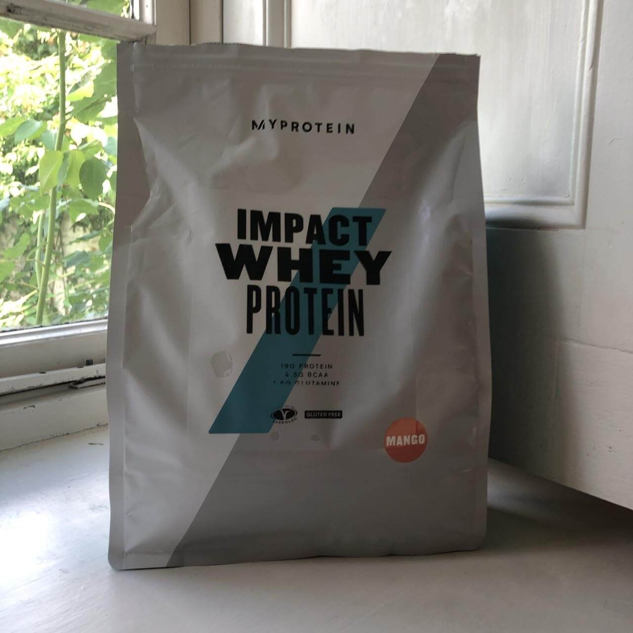 thiết kế bao bì Impact Whey Protein