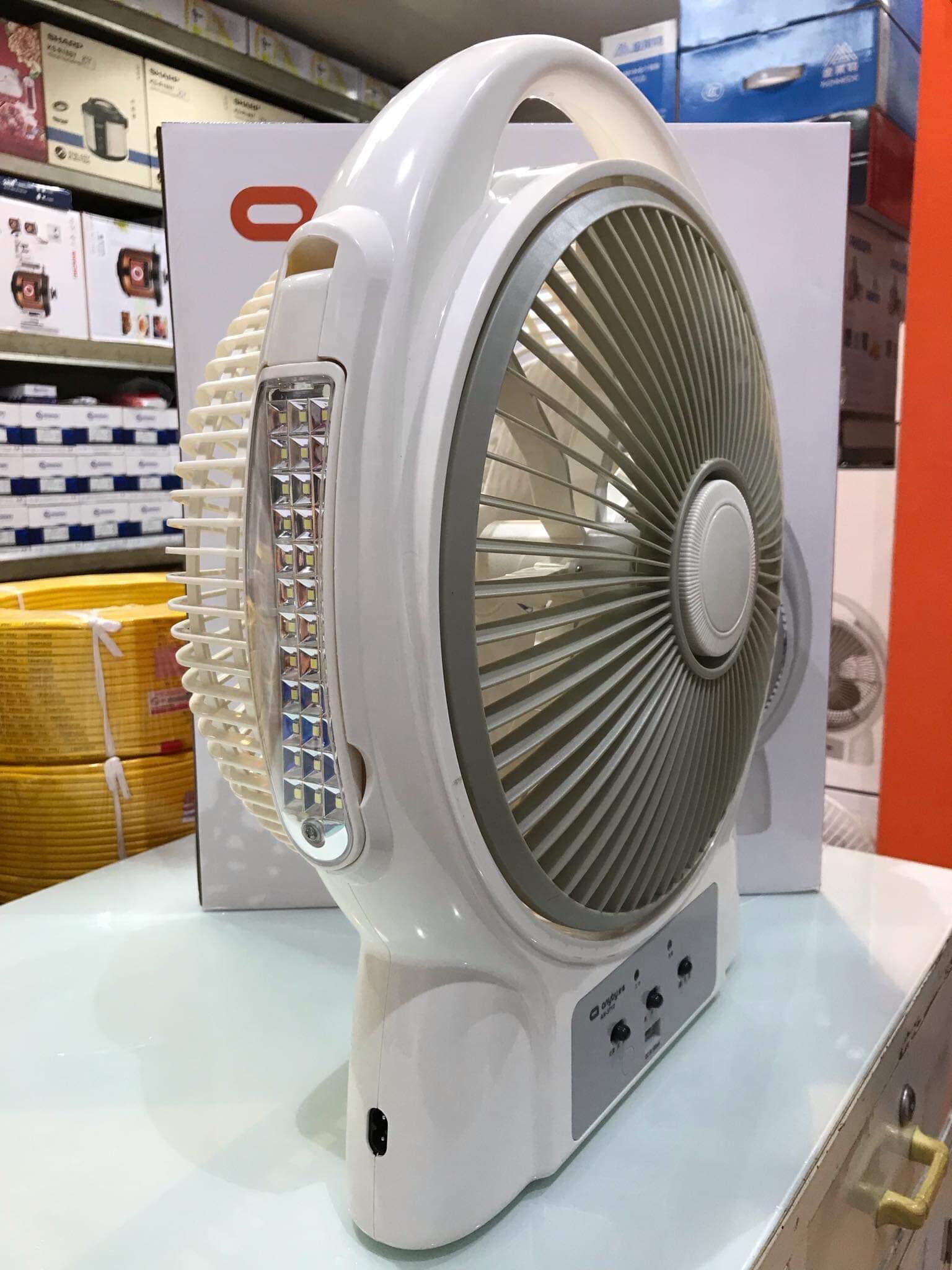 Quạt tích điện Anyby 3712 thiết kế cửa lùa tản gió rộng