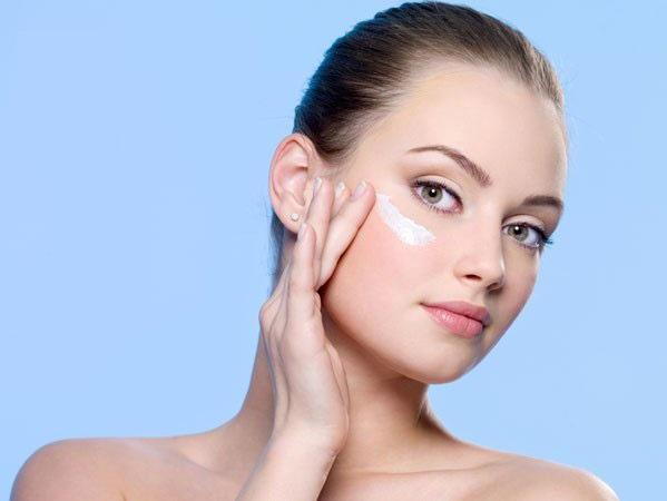 Kem dưỡng ban đêm hỗ trợ tăng cường hiệu quả da láng mịn, mượt mà
