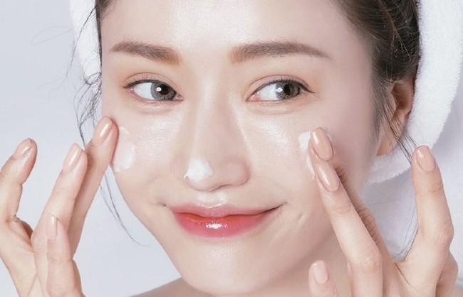 Kem dưỡng ẩm có tác dụng gì cho da