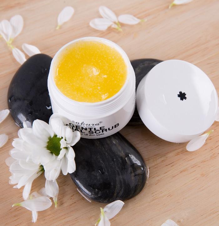 Tẩy da chết Sakura gentle facial scrub dịu nhẹ cho nhiều loại da