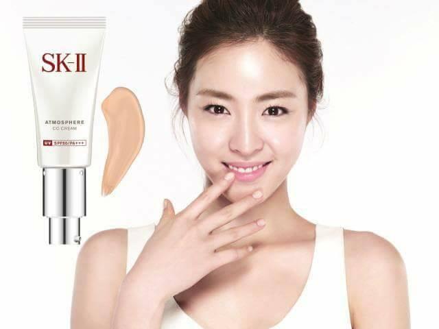 SK-II Atmosphere CC Cream SPF50/PA ++++ giúp tạo lớp nền hoàn hảo trên da và dưỡng, bảo vệ da tối ưu