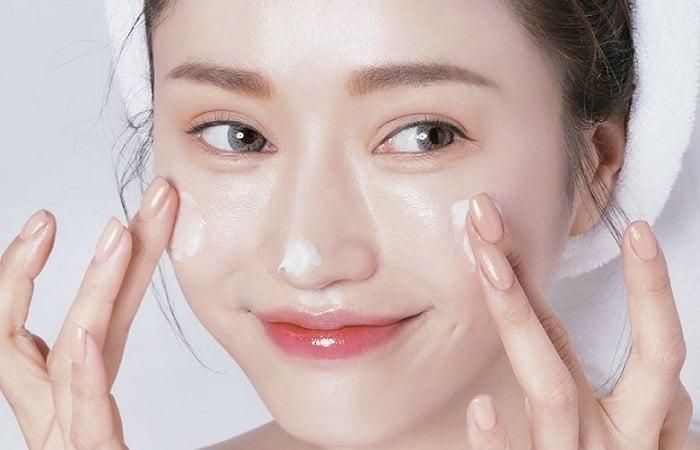 Kem massage mặt Shiseido Elixir Whitening Tone up Massage hỗ trợ tái tạo, phục hồi vànuôi dưỡng làn da trắng khỏe