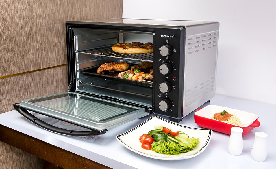 Lò nướng điện Sunhouse SHD4206 hỗ trợ phục vụ bữa cơm gia đình nhanh chóng, tiện lợi