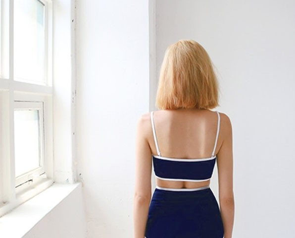 Đồ bơi 2 mảnh cá tính áo ống xanh viền trắng thiết kế đơn giản