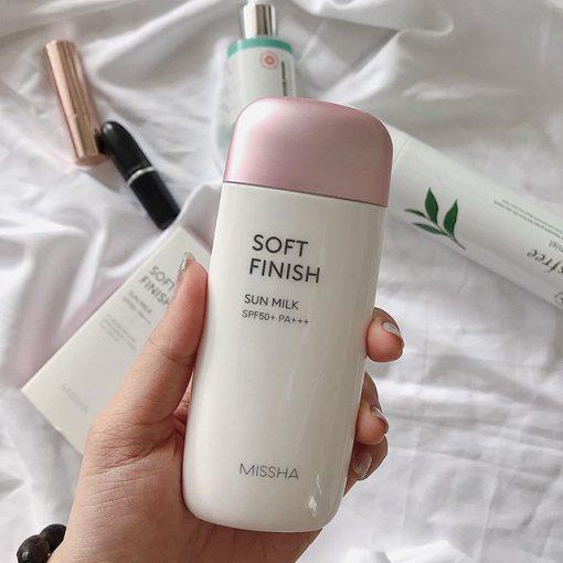 Kem hỗ trợ chống nắng Missha Soft Finish SPF 50+ chăm sóc da toàn diện
