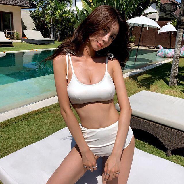 Bikini yếm buộc nơ xinh xắn, dễ thương