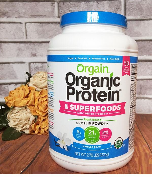 Bột protein hữu cơ Orgain Protein & Superfoods hỗ trợ đủ dinh dưỡng cho người dùng