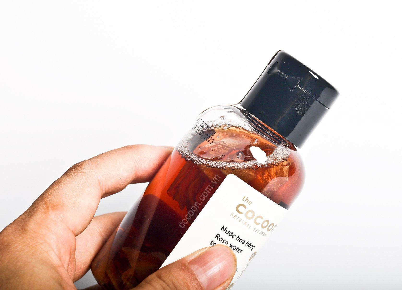 Nước hoa hồng Cocoon thuần chay hỗ trợ làm mềm da