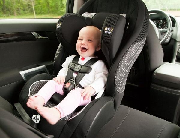 Zaracos William 5086 hỗ trợ bảo vệ bé trong xe