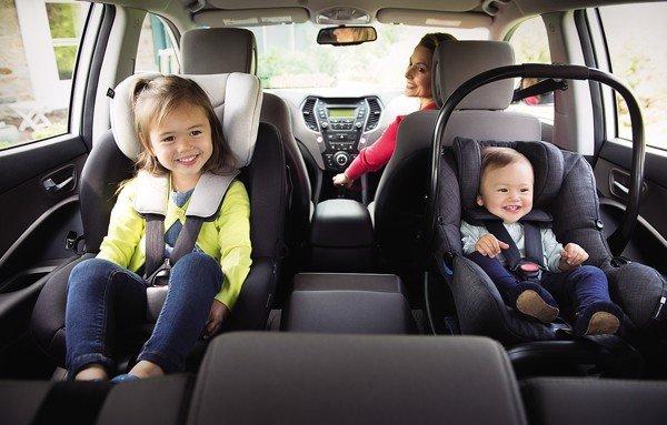 Ghế ngồi ô tô kiêm nôi xách Joie I-Gemm 2 chăm sóc bé suốt chuyến đi