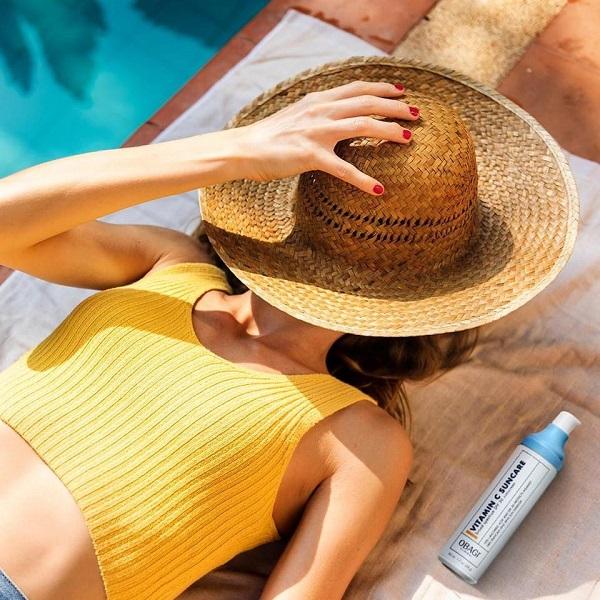 Chống nắng quang phổ rộng hỗ trợ dưỡng sáng da