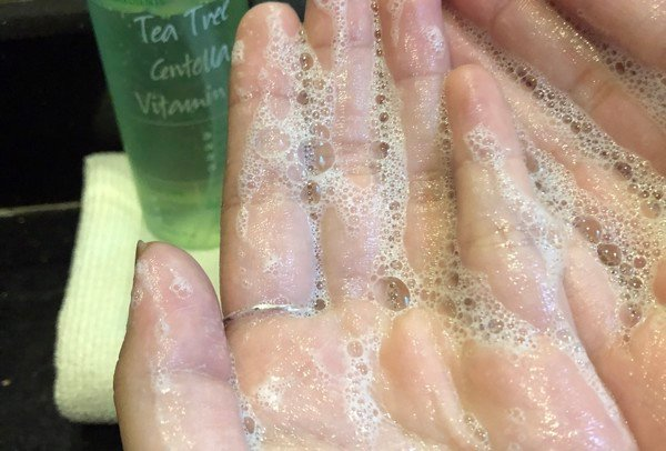 Gel rửa mặt The Auragins Oil Balancing cho da dầu mụn