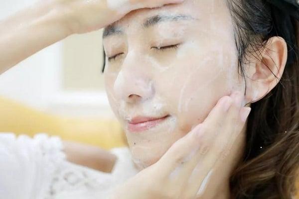 Sữa rửa mặt Kiehl's Ultra Facial Cleanser