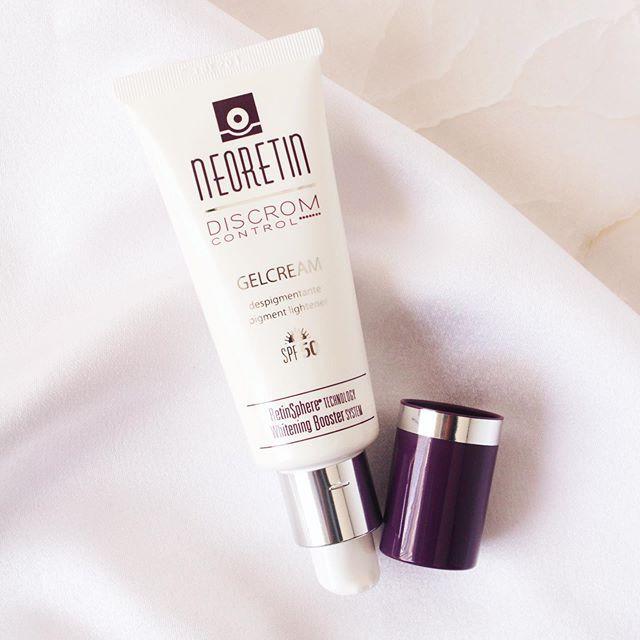 Kem chống nắng Neoretin Discrom Control bảo vệ da toàn diện, không nhờn dính