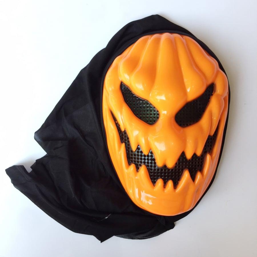 Mặt nạ hóa trang bí ngô có vải trùm Halloween