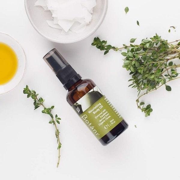 Tinh dầu dưỡng thể Botani dưỡng da mềm mại, mịn màng