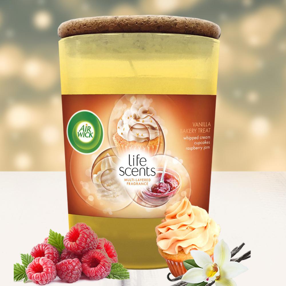 Ly nến thơm tinh dầu Air Wick 185g QT04255 bánh kem vani 1