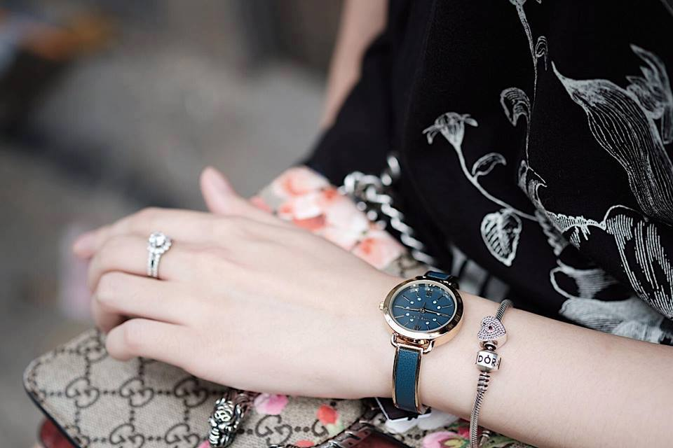 Đồng hồ Anne Klein Women's AK/2436BLGB Gold-Tone and Blue 30mm 3
