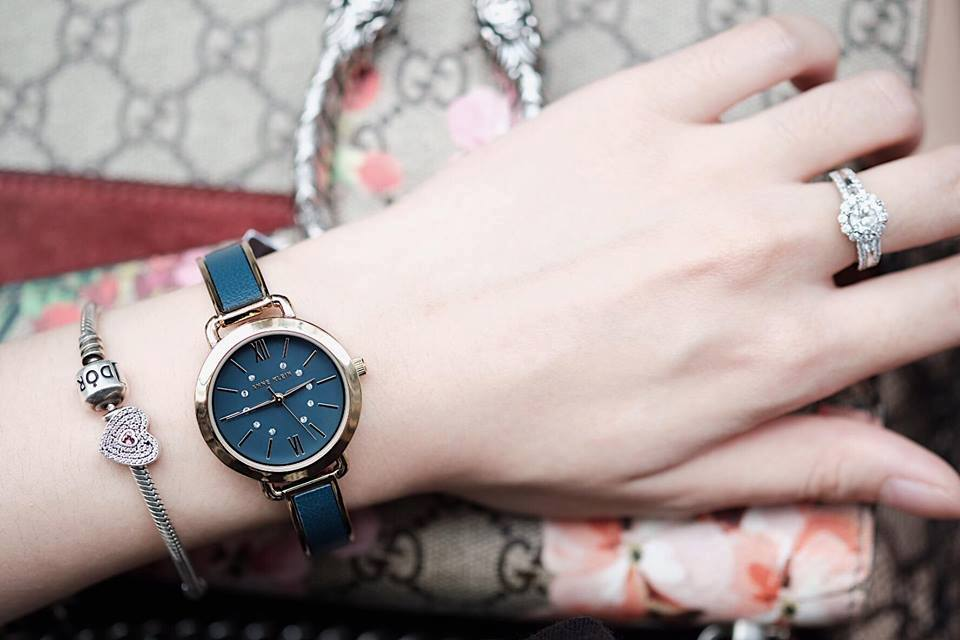 Đồng hồ Anne Klein Women's AK/2436BLGB Gold-Tone and Blue 30mm 2